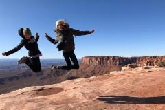 Canyonlands-kids-jumping